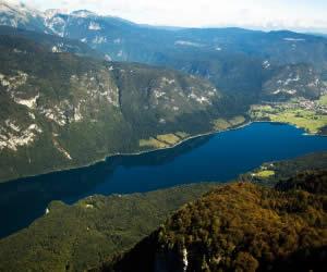 Qué hacer en Eslovenia  Para los que se queden y no les guste Manowar - Página 5 Lago-bohinj